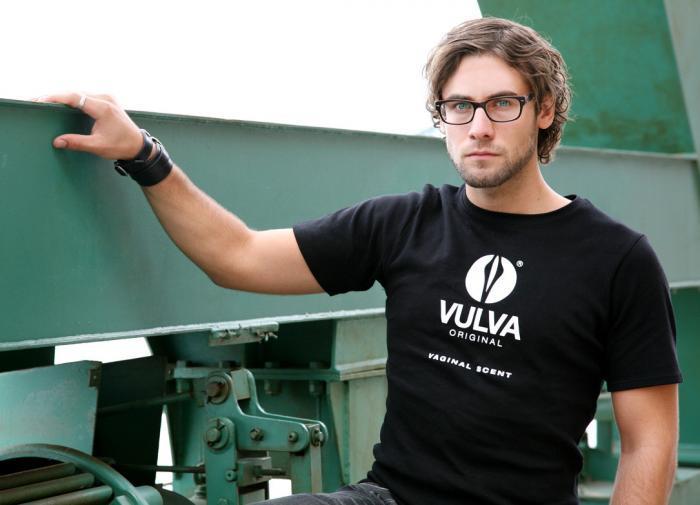 Vaginal scent aphrodisiac erotic scent T-Shirt | VULVA Original
